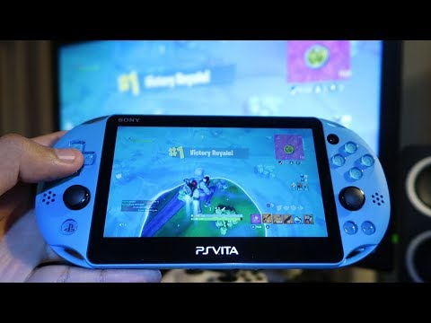 Playing Fortnite on PS Vita! (SUPER IMPOSSIBLE TO PLAY)