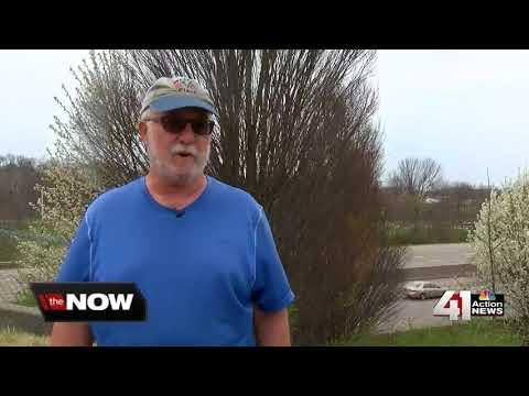 I-435 trash upsets residents on both sides of state line