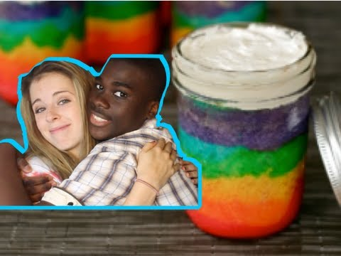 SareMinz: RAINBOW CAKE in a Jar! (with CoolDaVic1)