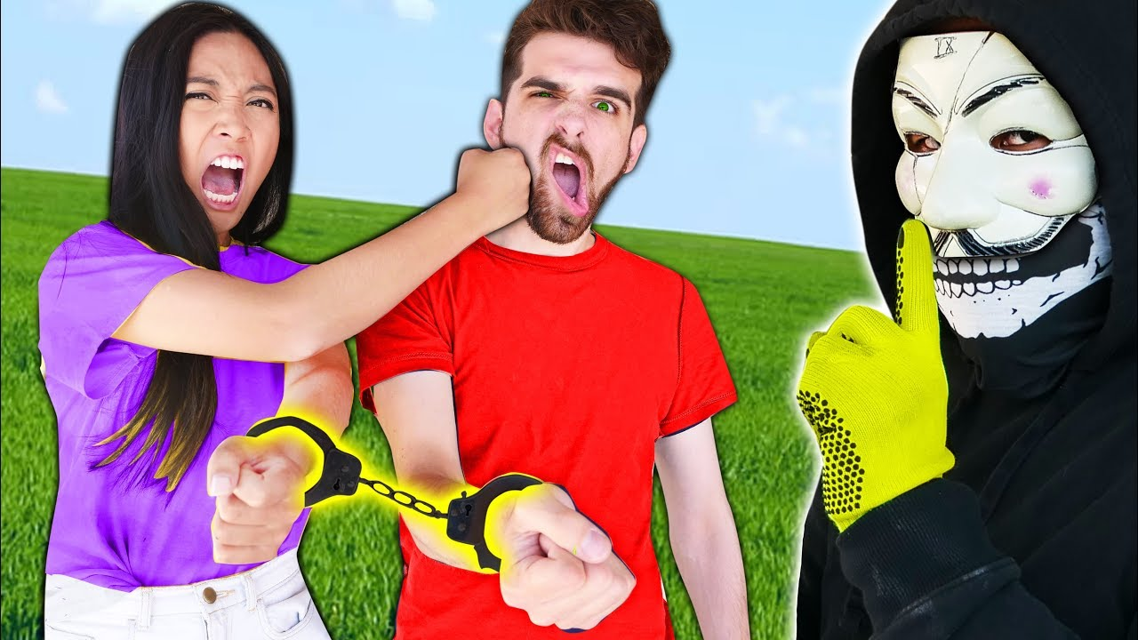 BEST FRIENDS BROKE UP (Daniel & Regina HANDCUFFED in Real Life for 24 HOUR CHALLENGE by HACKER PZ9)