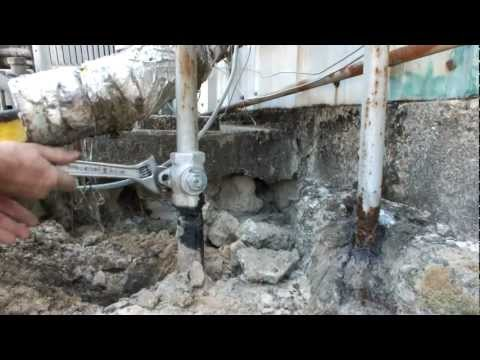 NATURAL GAS SHUTOFF VALVE closed to do gas leak repairs and locked