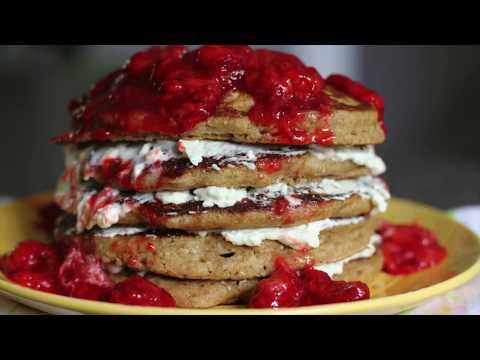 STRAWBERRY CHEESECAKE PANCAKES IHOP STYLE | IHOP STYLE STRAWBERRY CHEESECAKE PANCAKES RECIPE