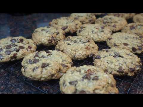 Toasted Pecan Oatmeal Chocolate Chip Cookies