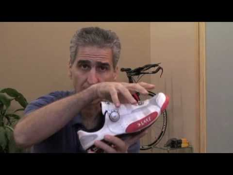 Road cycling shoe fit