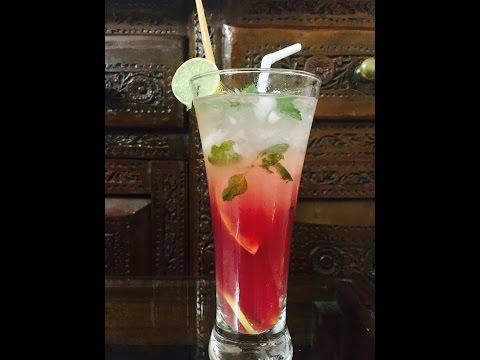 Non-alcoholic cranberry mojito