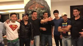 Salman Khan, Sohail Khan, Mika Singh Dancing On Suit Punjabi   Sardar Saab