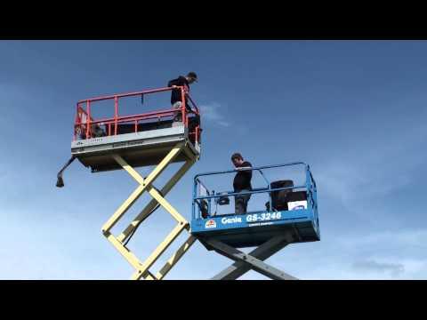1320 Video's Kyle S. jumps from scissor lift to scissor lift!