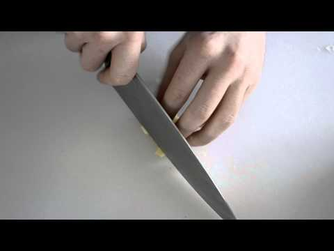 How to Finely Chop Garlic