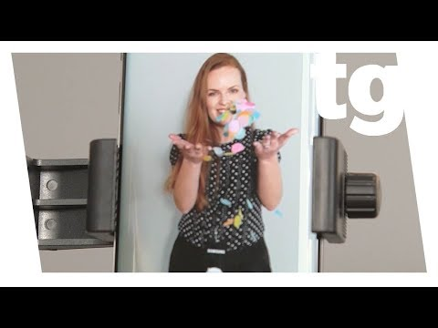 Galaxy S9 Hands-on: Killer Camera, Creepy AR Emoji