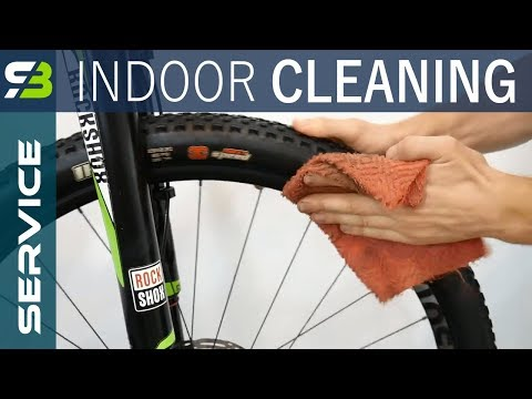 How I Clean A Super Dirty Bike Indoors. Small Room And Some Tricks...