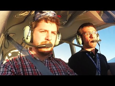 Novice attempts flying a plane with no experience