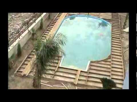 Pool deck building 1