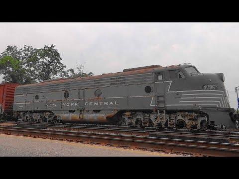 CSX Q409 Transporting New York Central GM-EMD E9-A 4096