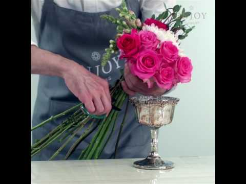 How To Make an Elegant Flower Arrangement in a Short Vase or Goblet