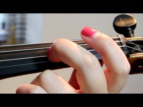 How To Do VIBRATO in the VIOLIN/VIOLA *Slow MOTION* (wrist vibrato)