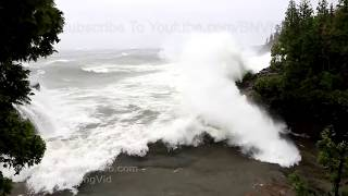 Marquette, MI Extreme Waves and Wind Damage - 10/24/2017