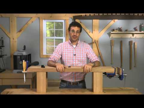 Mini Workbench Makes Detail Work Easier