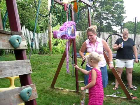 Lily Glass's B-day Party - The PINATA!