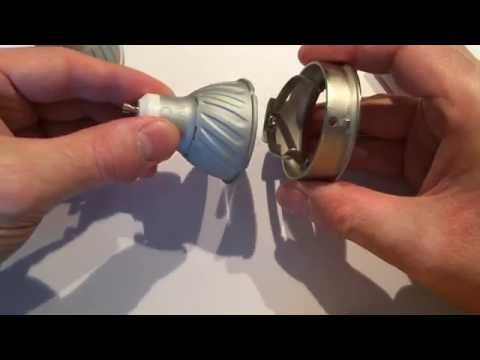 DIY Change a halogen lamp bulb on the ceiling