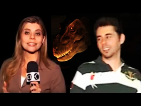Reportagem - Eu e meus amigos paleontólogos numa exposição de dinossauros robôs em Uberlândia