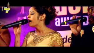"Shalmali Kholgade sings Lat Lag Gayi in ""A Cappella"" style at #MMAwards Red Carpet"