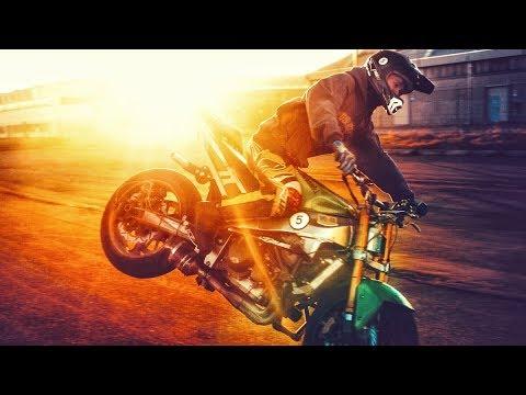 Motorcycle STUNTS & TRICKS 2018 !!