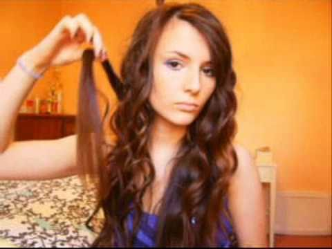 Miley Cyrus inspired Hairstyle Rocker curls with curling iron