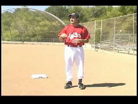 Coaching First & Third Base : Watching Fielders as a Third Base Coach