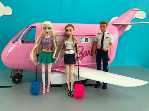 Airplane! Elsa & Anna board Barbie's Glam Jet! Frozen Dolls go on Vacation! Aeroplane Adventure!