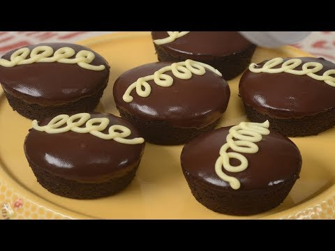 Homemade Hostess Cupcakes Recipe Demonstration - Joyofbaking.com