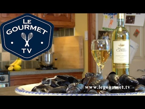 Steamed mussels in White Wine Recipe - LeGourmetTV