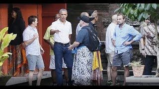THE OBAMAS SPOTTED IN INDONESIA & EVERYONE NOTICED ONE SICK THING THEY HAD IN TOW!