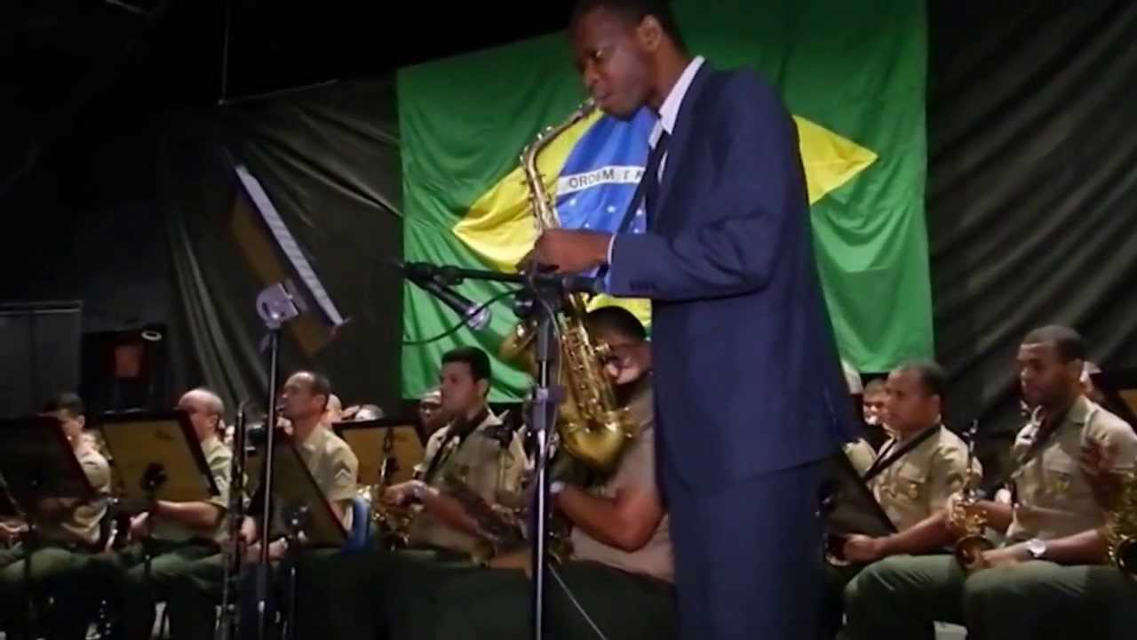 Nothing gonna change my love for you (Solo Sax Alto George Oliveira) Banda do 1º BG