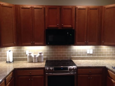Kitchen Backsplash With Subway Tiles