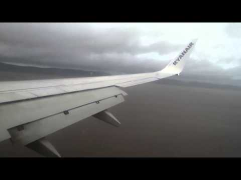 Ryanair Boeing 737-800 Landing City of Derry airport