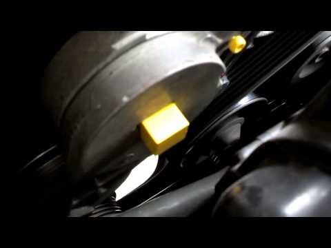 Serpentine belt replacement, tensioner release. Volvo 850, S70, V70, 960, S90 and V90 - VOTD