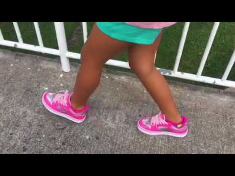 "How to ""walk"" with heelys"