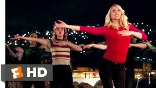 Pitch Perfect 3 (2017) - Toxic Fight Scene (8/10) | Movieclips