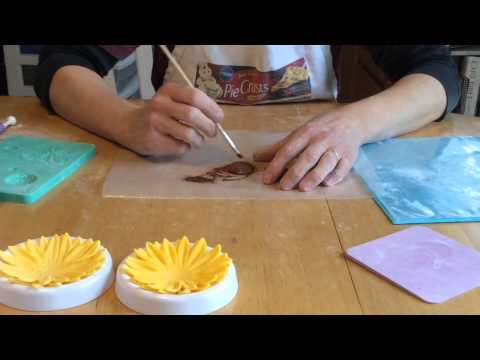 Gum Paste Flowers: How to Make Sunflowers