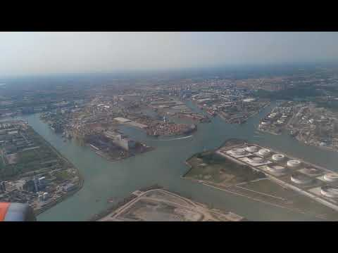 Approach and Landing in Venice Marco Polo Airport (May 2017)