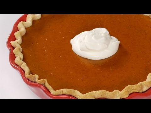 Holiday Hotline Tip: How to Keep Pumpkin Pie from Cracking