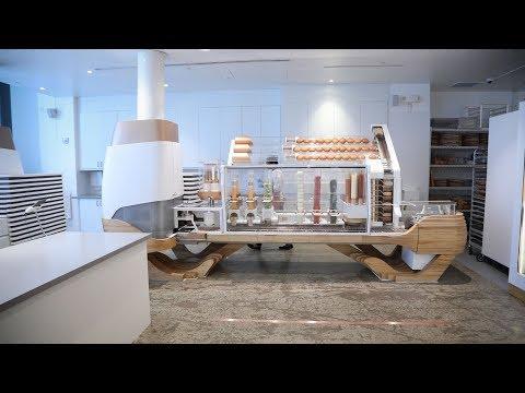 A robot cooks burgers at startup restaurant Creator
