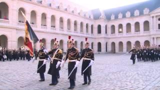 Ceremonia oficiala de primire a Prim-ministrului Dacian Ciolos la Paris