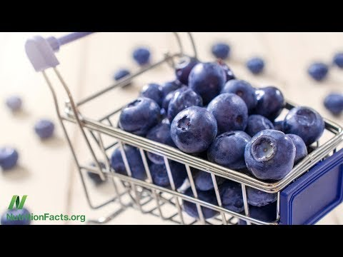 The Benefits of Acai vs. Blueberries for Artery Function