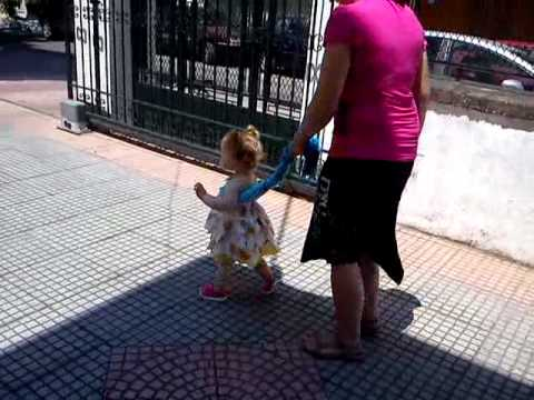 HELP YOUR BABY TO WALK
