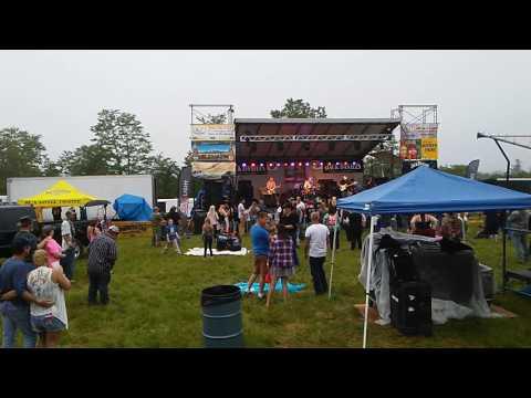 Nashville Drive live in concert