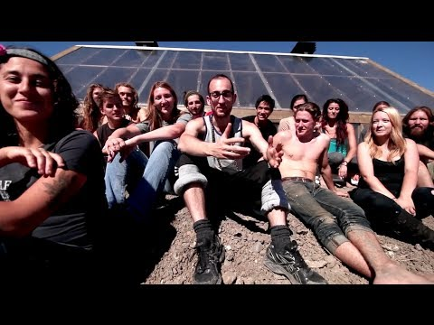An Earthship in 10 Minutes