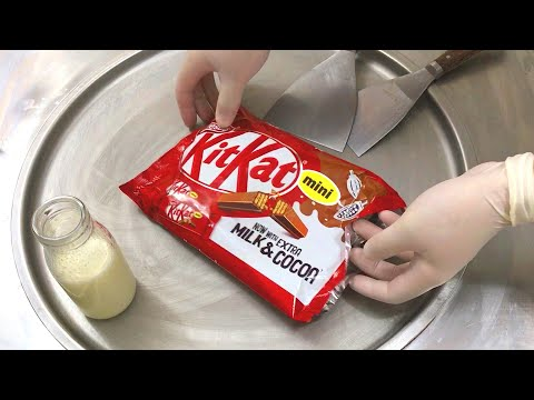 KitKat Ice Cream Rolls | how to make KitKat Chocolate Bar with Cookie, milk and cocoa to Ice Cream