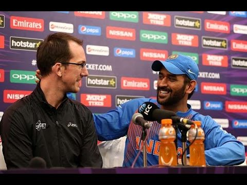 MS Dhoni's Awesome Reply to Australian Journalist on Retirement Question