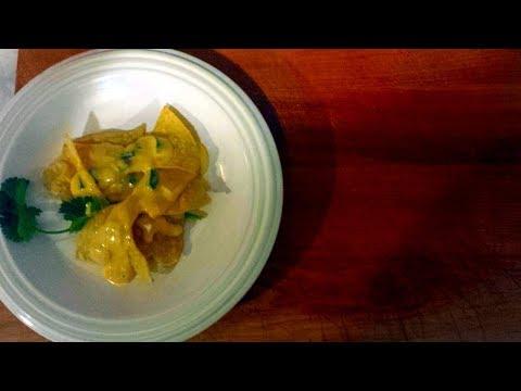 Easy Chile con Queso recipe - Tex Mex cheese dip